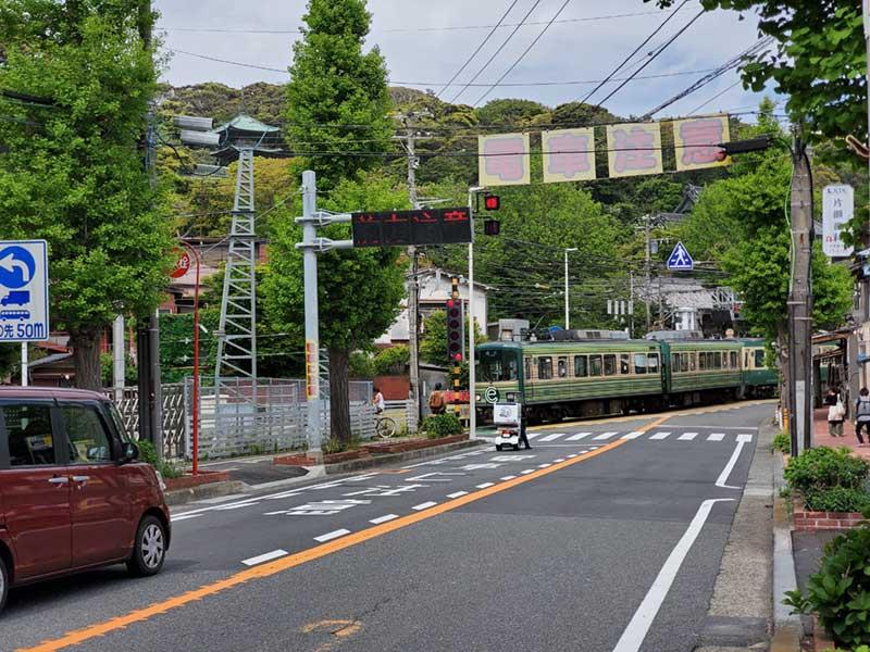 江ノ電江ノ島駅近く