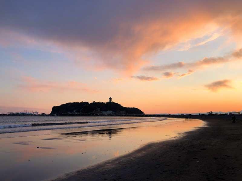片瀬海岸から徒歩1分のピザーラ