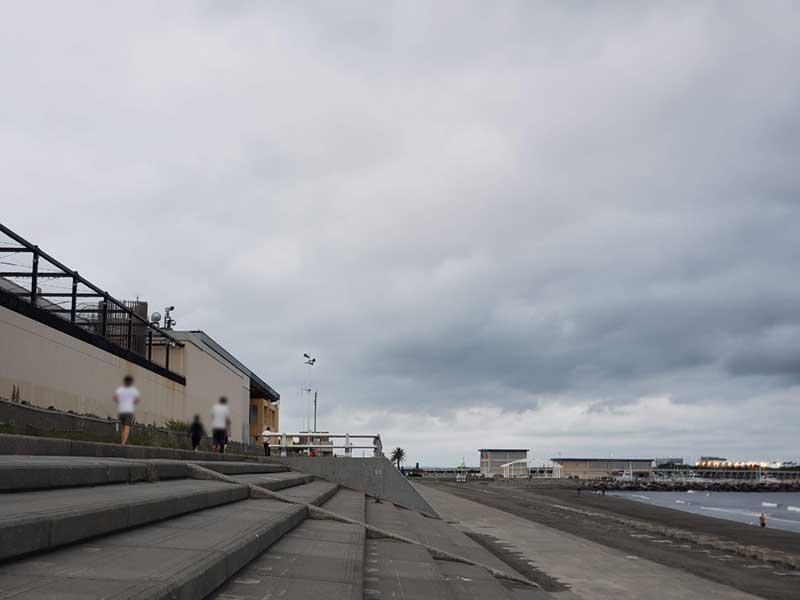 えのすい裏の海沿いジョギングコース