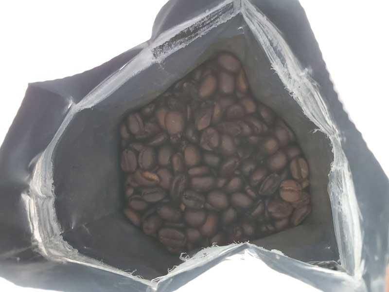 濃いダークチョコレートの香り、だとか