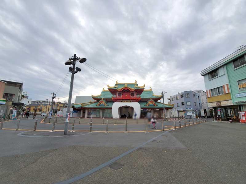 コロナ自粛中のGWの片瀬江ノ島駅
