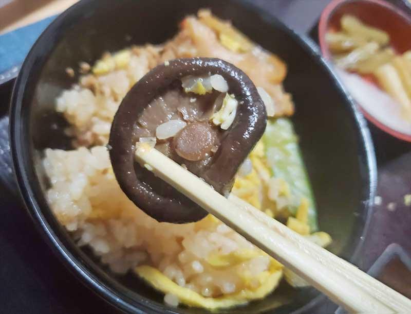 椎茸も味が染みてて美味しい