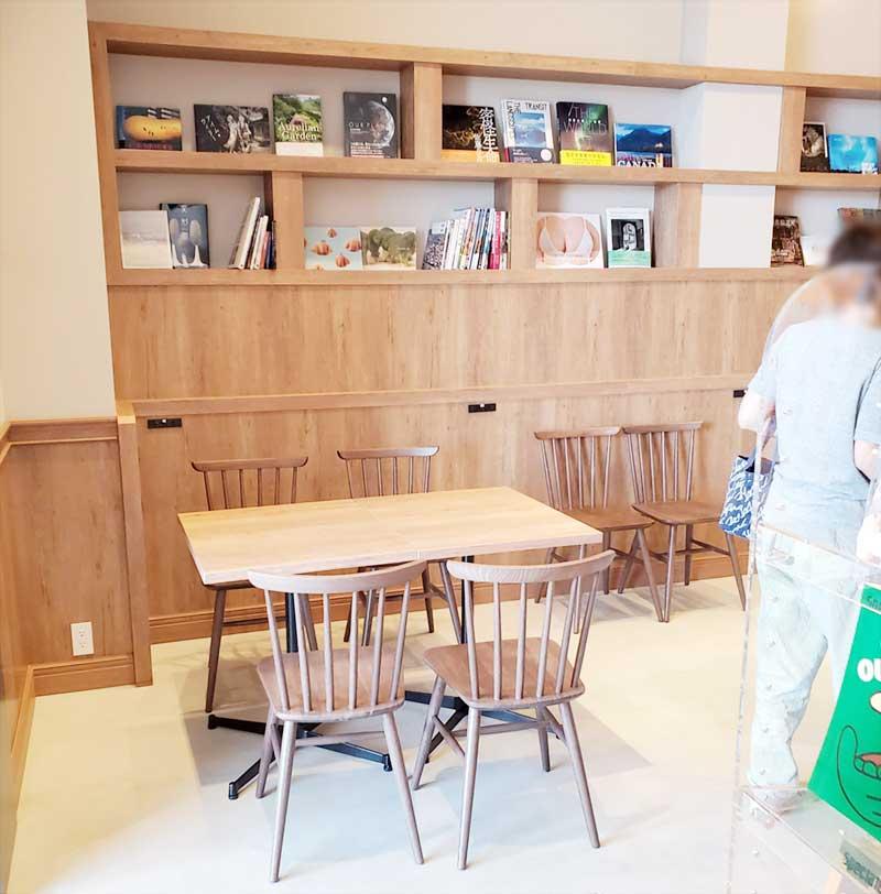 湘南天狼院のカフェコーナー