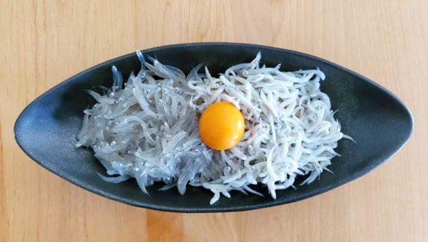 【江ノ島テイクアウトグルメ優勝】浜野水産のBIGサイズ生しらす&釜揚げしらす丼!