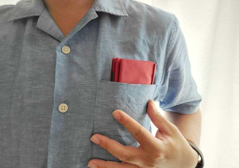 シャツの胸ポケットにも