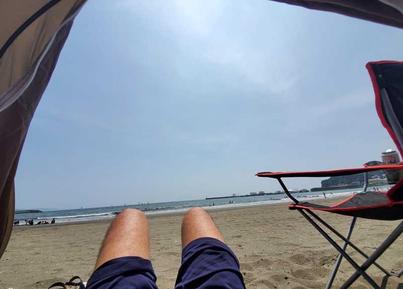 海水浴よりも浜辺で日光浴
