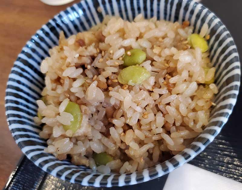 素朴な味の枝豆ご飯