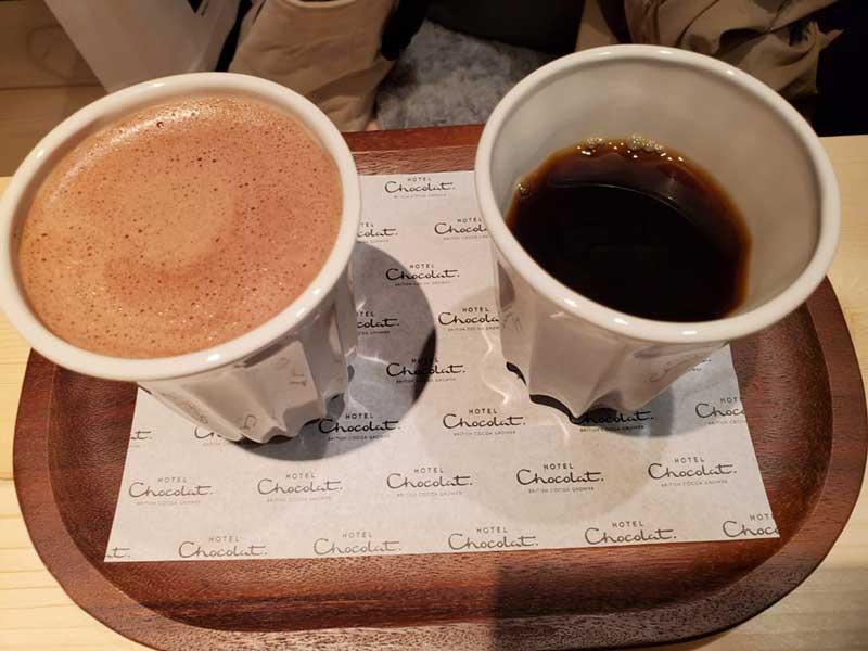 ホットチョコレートとコーヒー