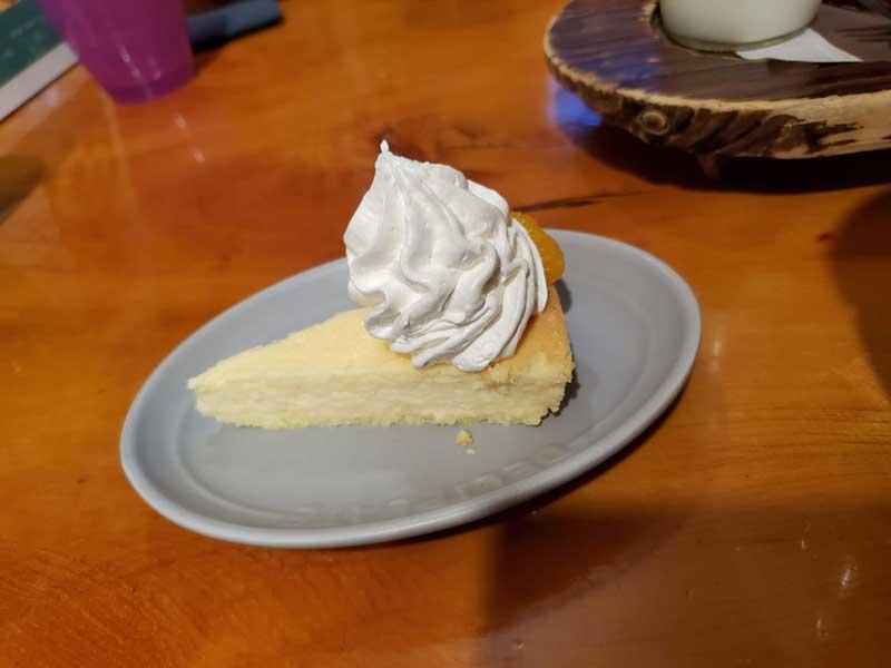 ホイップたっぷりのチーズケーキ