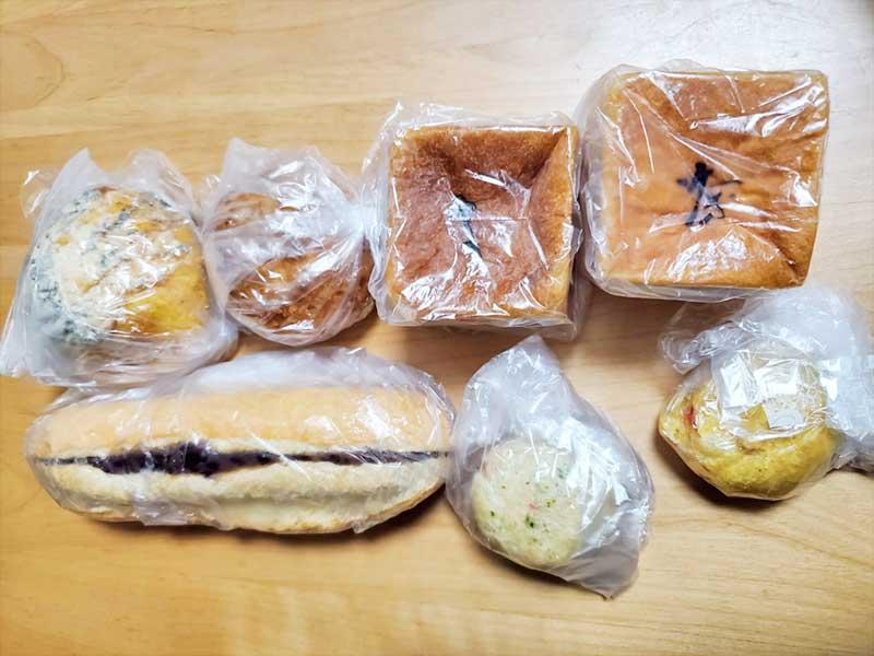 美味しそうな豊島屋のパンたち