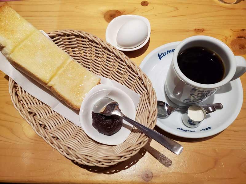 おぐらあんトーストにゆで卵とコーヒーのセット
