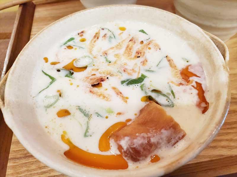 台湾の朝食の定番、豆乳スープ