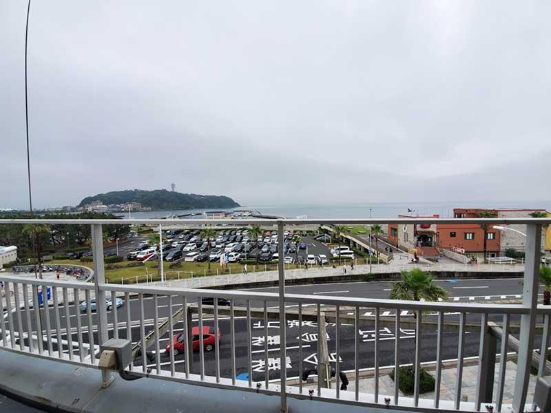 「GARB江ノ島」3階のテラススペース