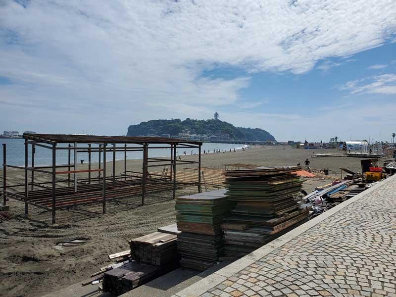 大型の海の家も工事中