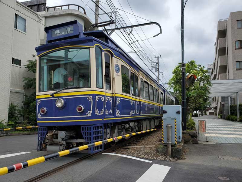 江ノ電「湘南海岸公園駅」近くの踏切