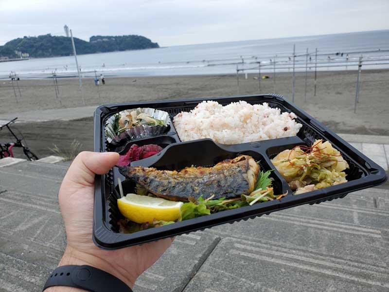 江ノ島とサバ弁当