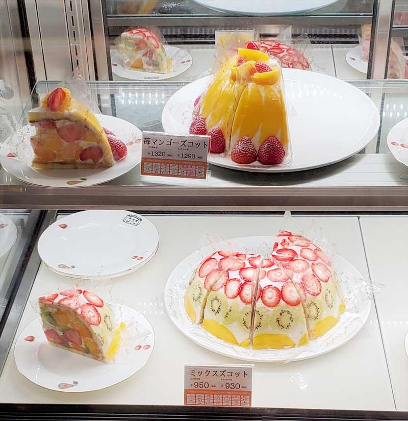 映えるフルーツケーキの数々